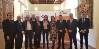 Ministra economia Reyes Montoro visita Moncada