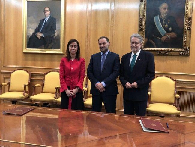 Albal firma estación ADIF, Fomento y ayuntamiento