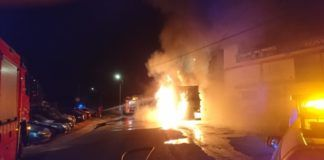 Torrent incendio camion basura