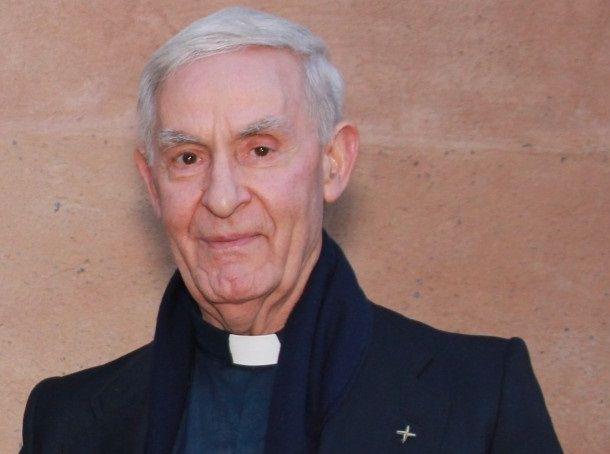 padre Gerardo Sánchez Hijo Adoptivo de Torrent