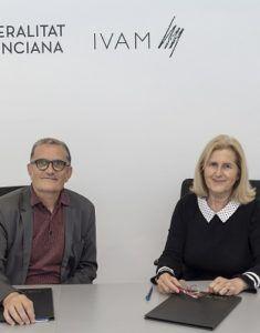 Jose Miguel G. Cortes, y la gerente de la Fundacion Divina Pastora, Rosa Laparra Prado.