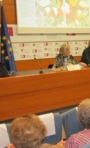La presidenta delegada de Manos Unidas, Ana Ruiz Ruiz, presentó su novela 'Pura vida'.
