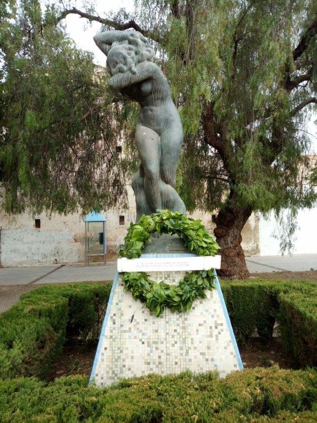 Meliana ret homenatge a l'escultor Juli Benlloch Casares en el seu centenari