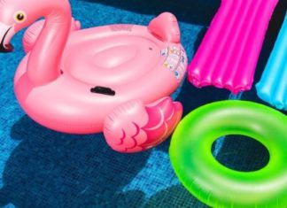 flotadores verano piscina