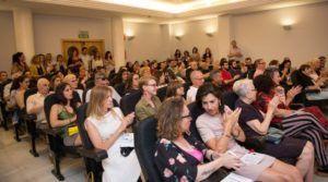 El público asistente llenó la sala. (Foto-Vania Albertini).