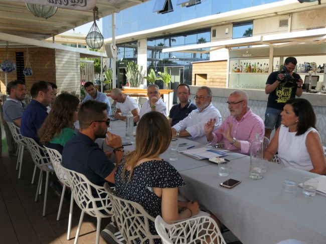Alboraya reunion ayuntamiento empresarios playa