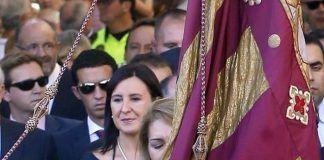 maria Jose Catala portadora Senyera