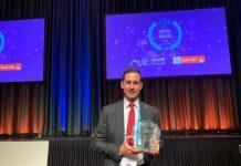 El alcalde de Mislata, Carlos Fernandez Bielsa, con premio UNICEF