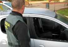 Guardia civil coches ventanillas rotas