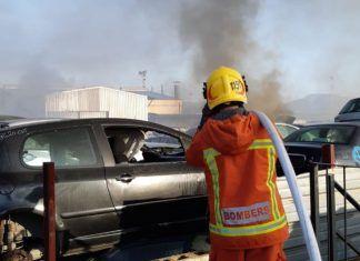 Incendio desguace coches Massamagrell