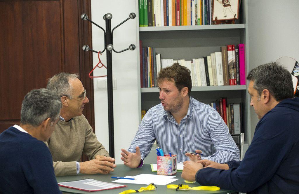 Andres Campos se reúne con ayto y clubs Godella
