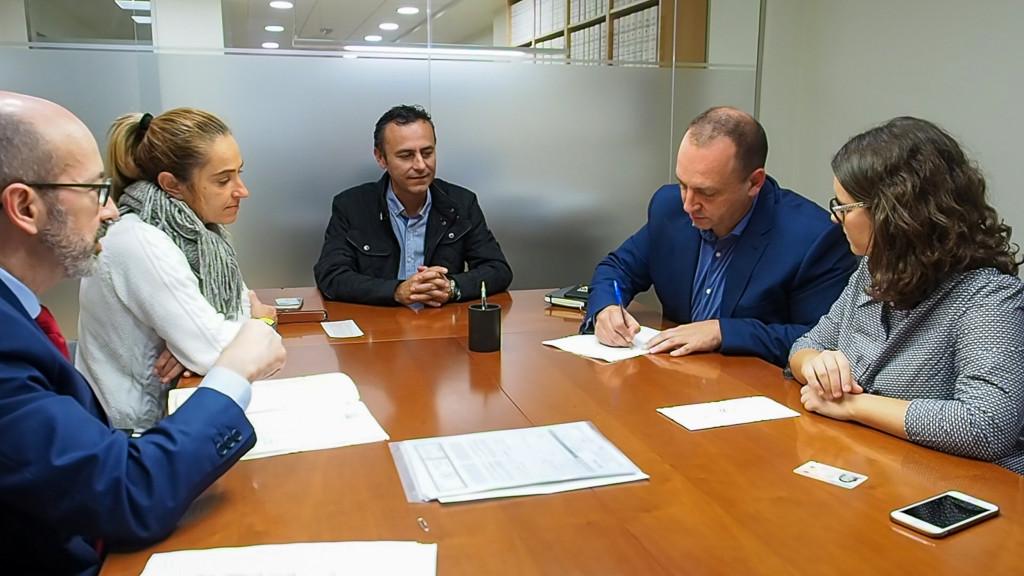 Firma compraventa Martinez Dalmau Generalitat