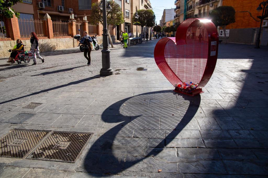 Contendores de Corazón para tapones solidarios en Mislata