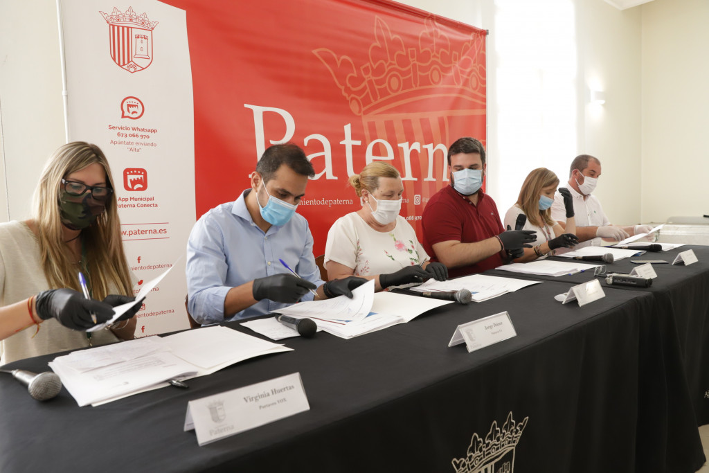 Firma acuerdo nuevo presupuesto Paterna 2020