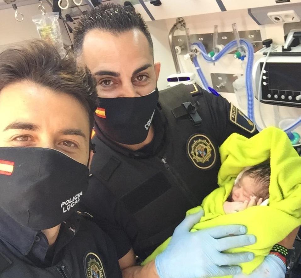 Policia Local Albuixech parto bebé