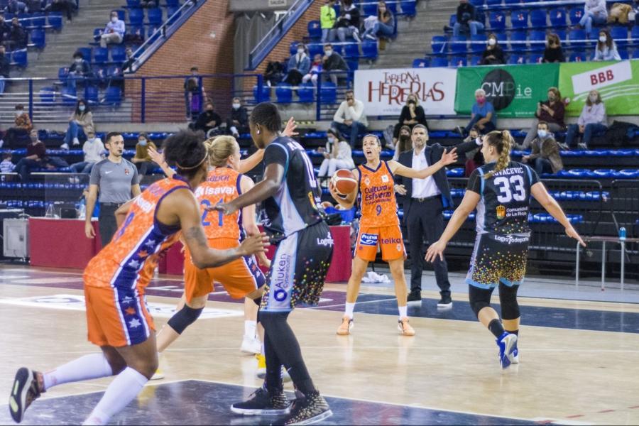 La novena victoria seguida de Valencia Basket llega tras una buena segunda parte en Logroño (51-71)