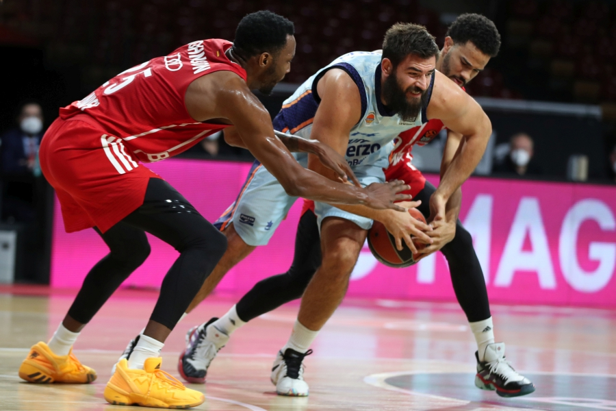 Los últimos 3 minutos dictan sentencia al Valencia Basket en Alemania (90-79)