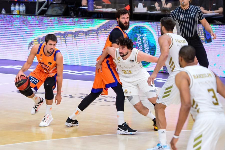 Valencia Basket quiere volver a defender la Fonteta en la visita del líder invicto Real Madrid