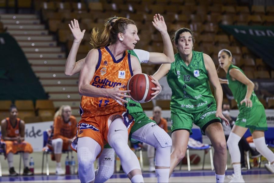 Valencia Basket retoma la liga alargando la racha en Vitoria (57-60)
