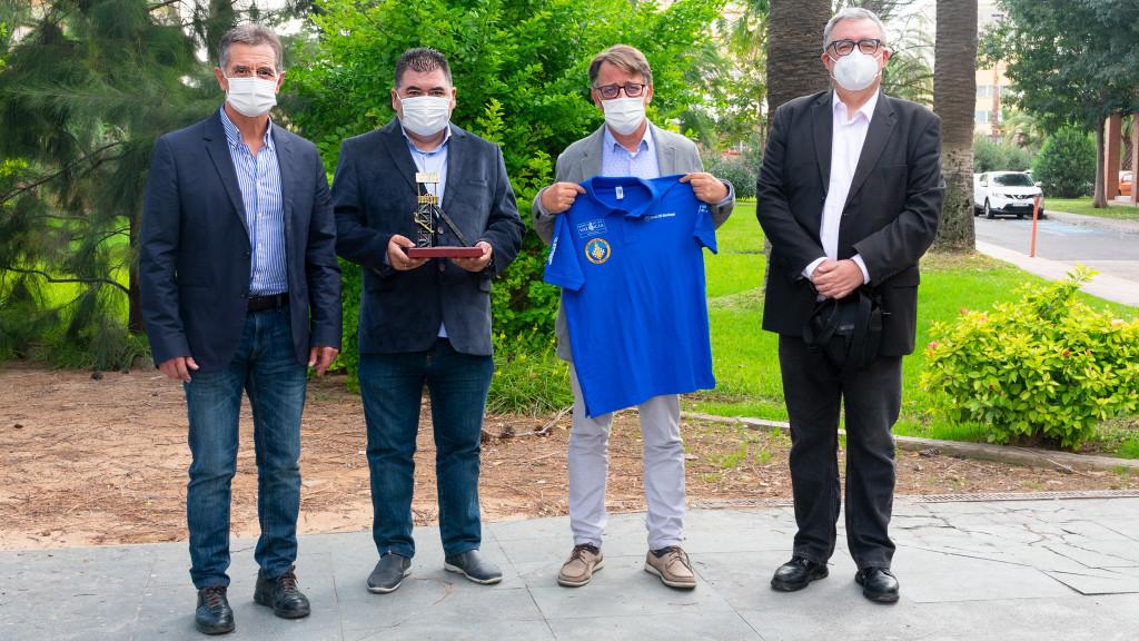 De izquierda a derecha: el concejal de Silla, Felipe García Iborra, José Antonio García, Josep Miquel Moya, director general del Deporte y Luis Barona, director deportivo de la Federación de Ajedrez de la CV.