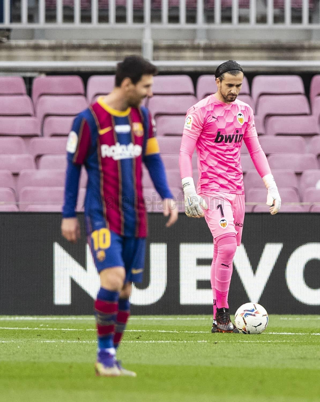Domenech detiene penalty a Messi