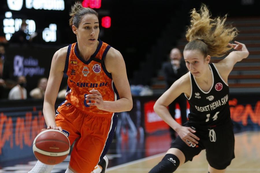 Sólida victoria de Valencia Basket y debut de Contell en el estreno europeo (82-42)