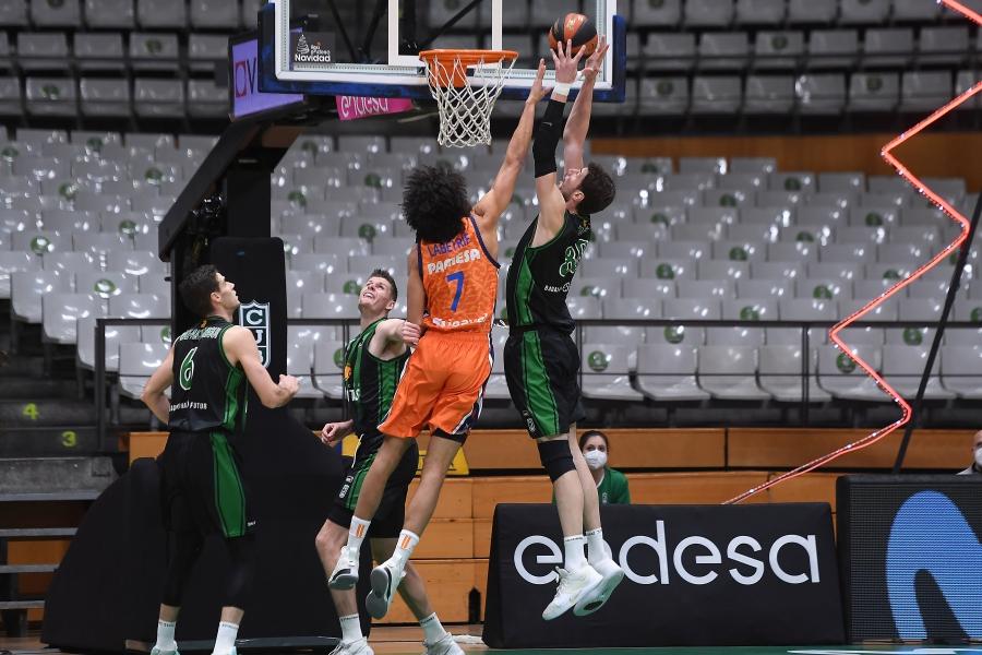 Valencia Basket amplía a siete su racha en la pista del Club Joventut Badalona (80-91)