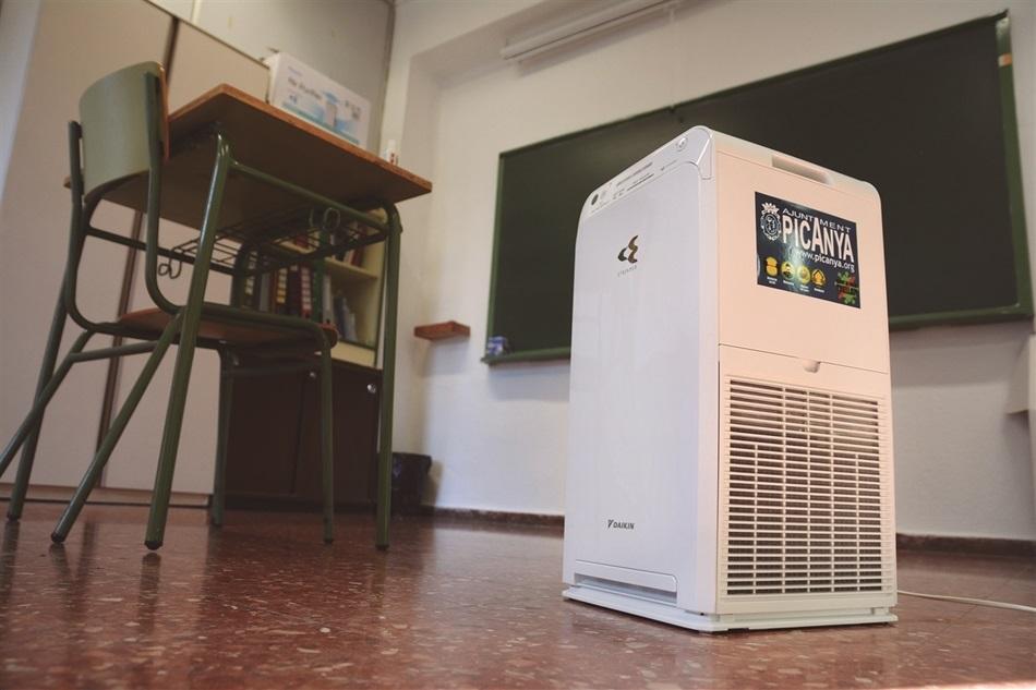 Picanya instal·la purificadors d'aire HEPA a les aules de tots els centres educatius.