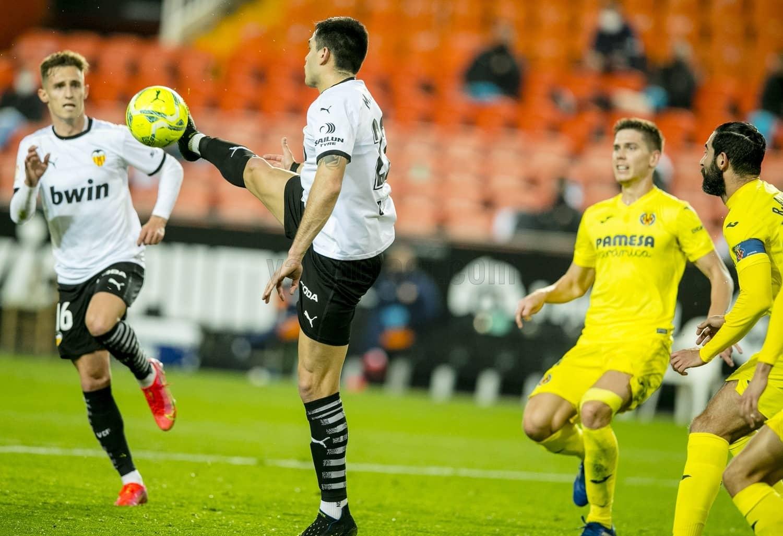 El Valencia CF suma una importante victoria ante el Villarreal CF (2-1)