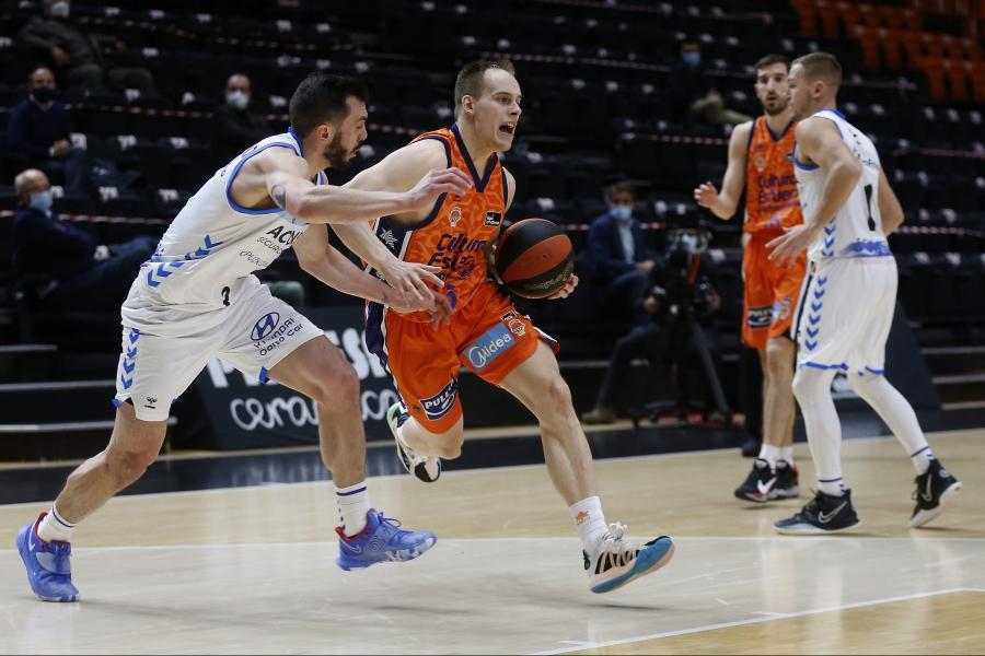 La competición no da tregua al Valencia Basket con la visita a la pista del Acunsa GBC