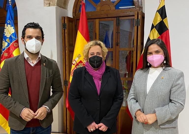 Amparo Giménez Calatrava se ha convertido en la primera mujer en presidir la Junta Local Fallera (JLF) de Paterna