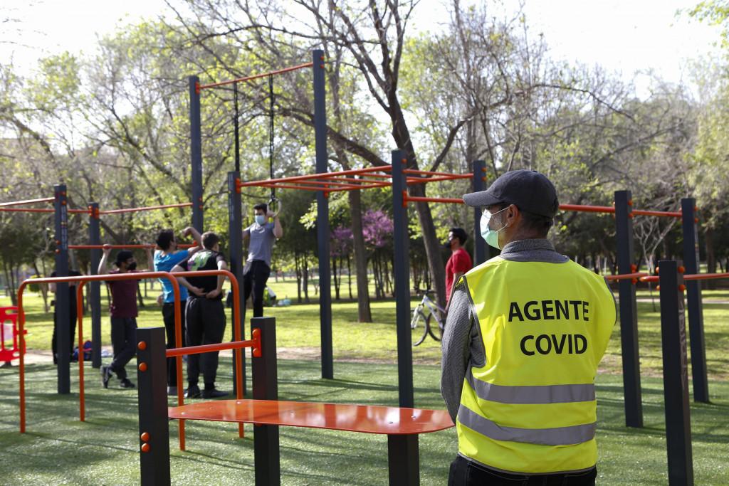 agente COVID parque de calistenia de la Canaleta en Mislata