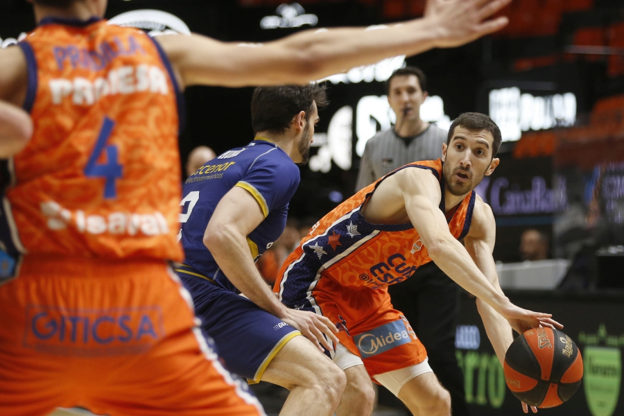Valencia Basket firma la victoria 19 contra Monbus Obradoiro (97-82)