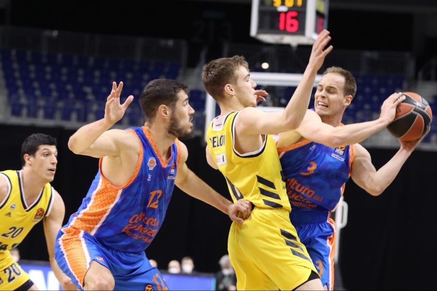 Victoria de Valencia Basket en Berlín para llegar con opciones de Top8 a la última jornada (86-90).jpg