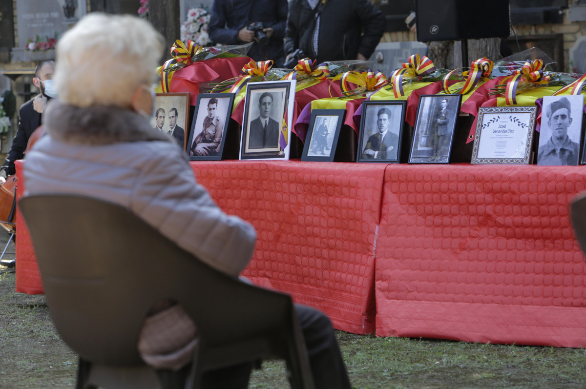 devolucion restos fosa cementerio Paterna (1)