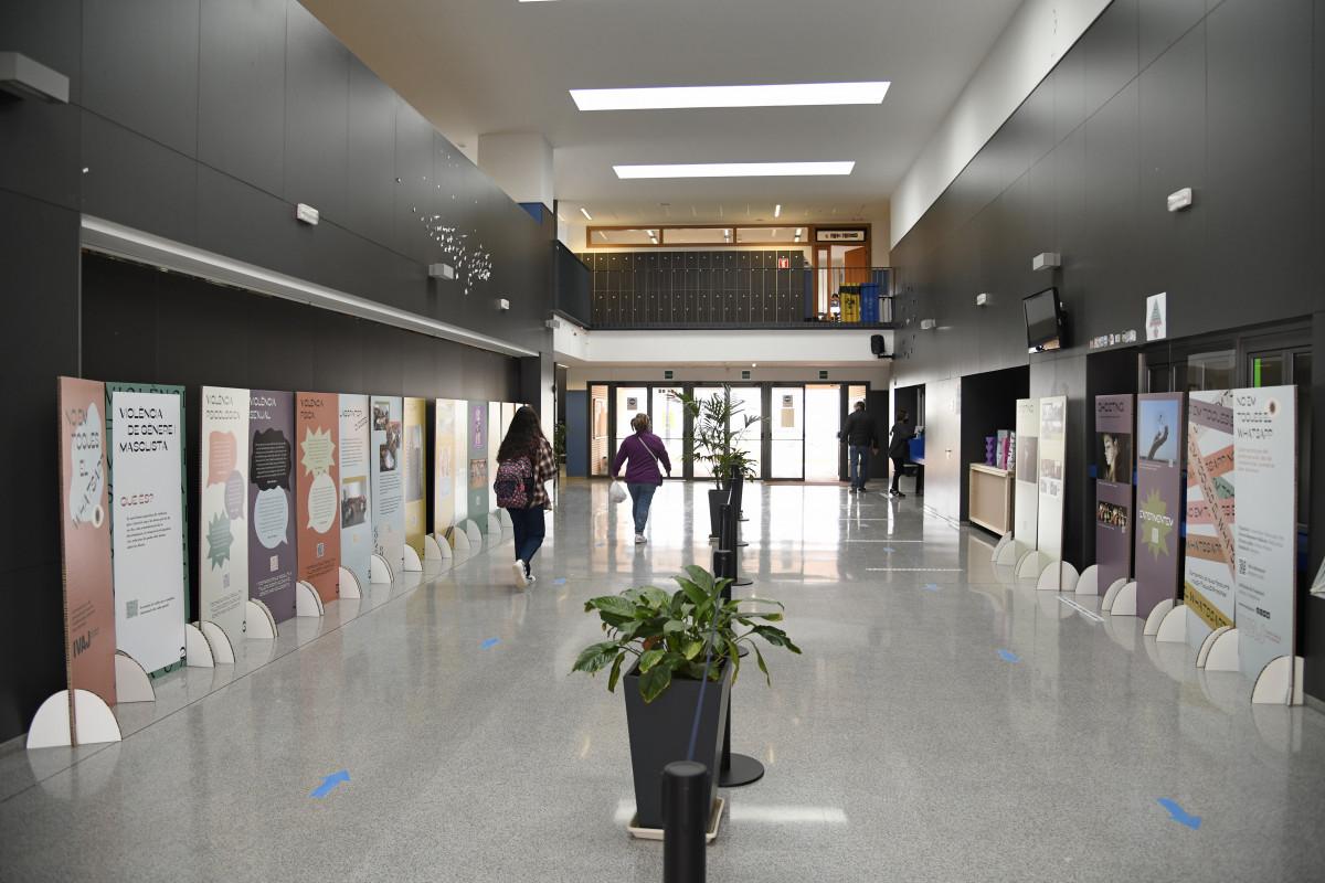 Compromís per Paiporta condemna l'assetjament de l'ultradreta a un institut per acollir una exposició sobre igualtat de gènere