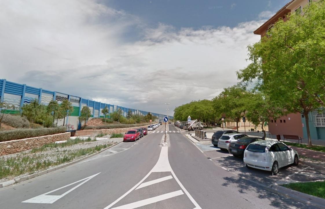 avenida de la huerta en Port Saplaya