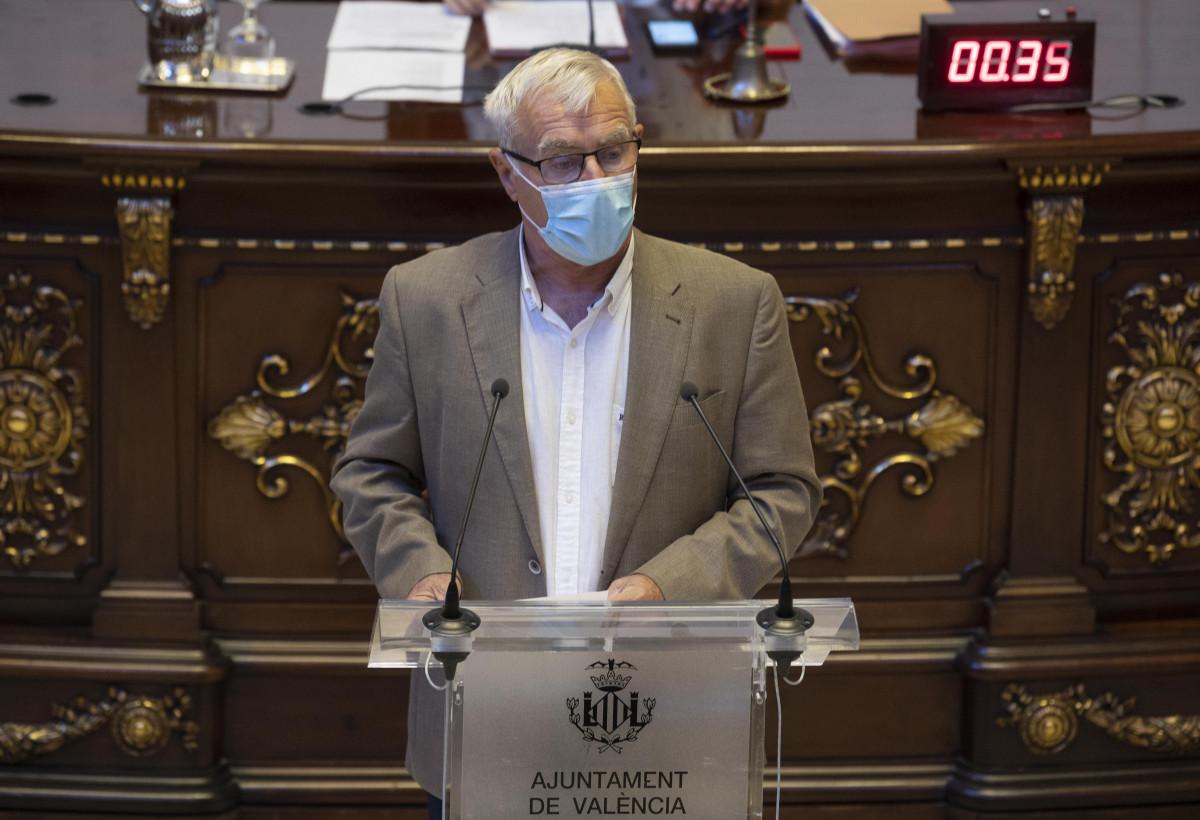 Joan Ribó, durante su intervención en el pleno municipal correspondiente al mes de julio de 2021