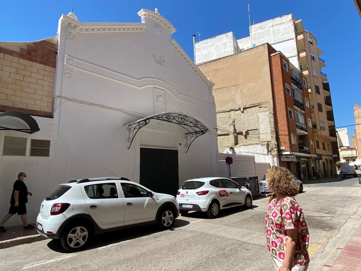 <h2>Cine Cervantes de Torrent. Visita Amparo Folgado (PP Torrent)</h2>