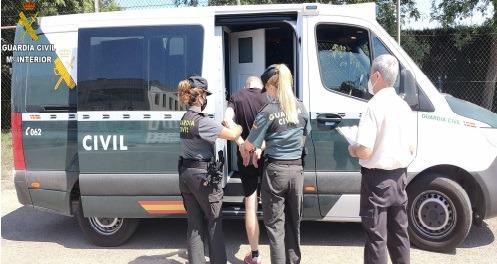 Detención por parte de los agente de la Guardia Civil/ Foto. Guardia Civil