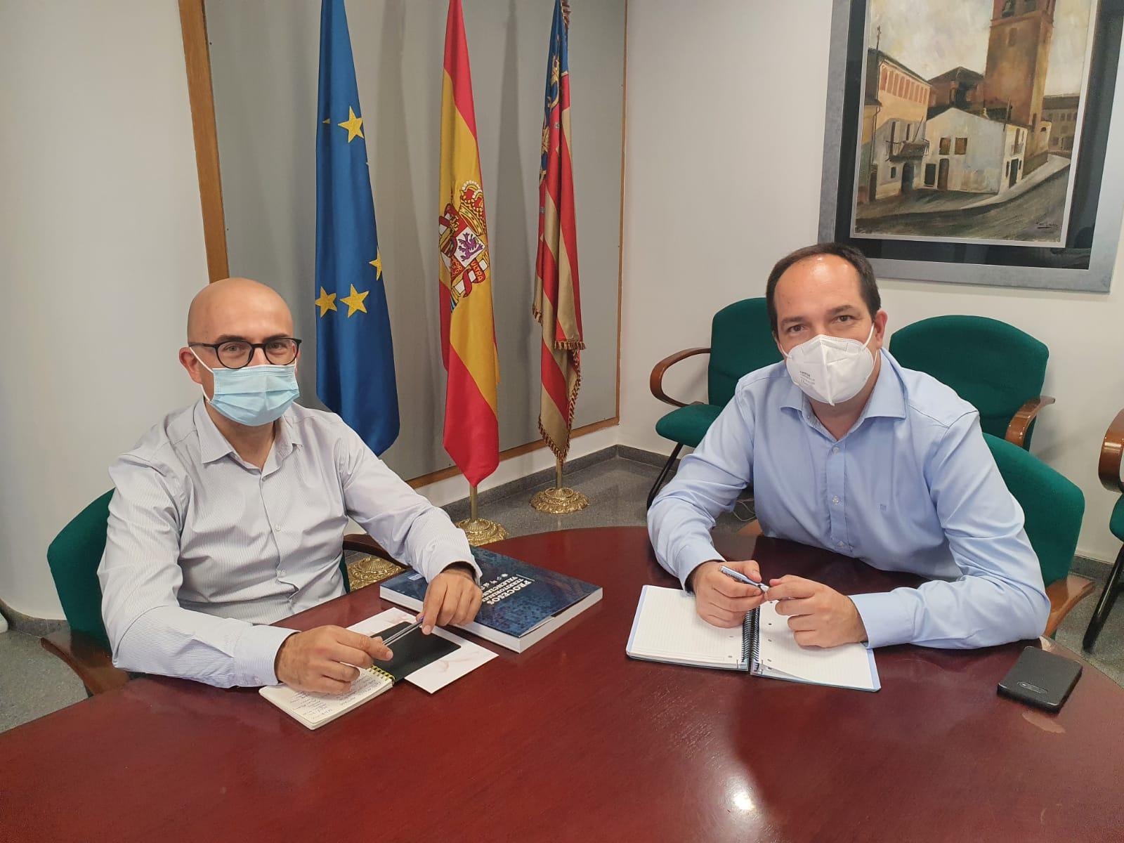 Guillermo Luján y Toni Saura, se han reunido esta tarde/ Foto: Aldaia.