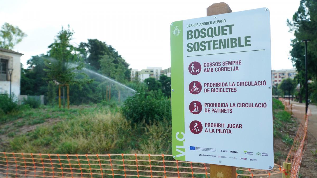 Señalización en el 'bosquet' de Ciudad Fallera