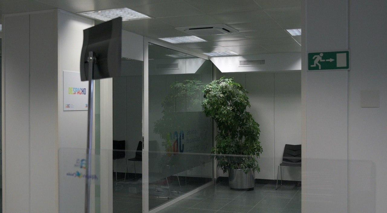 Interior de las instalaciones del Servicio de Atención Ciudadana de Barrio Orba