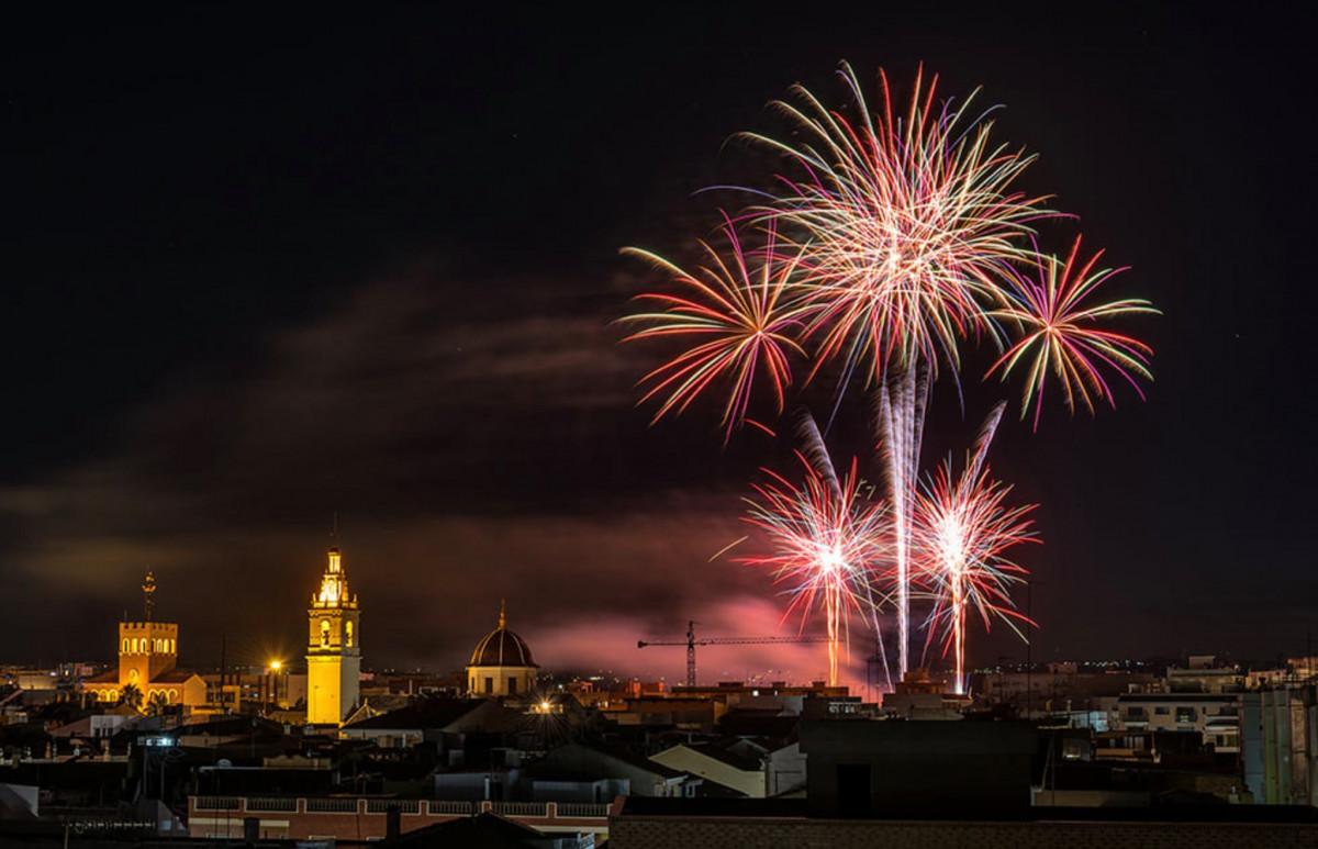 Els focs artificials seran part important de les festes d'estiu d'Alcàsser. Foto: Salvador Almudever