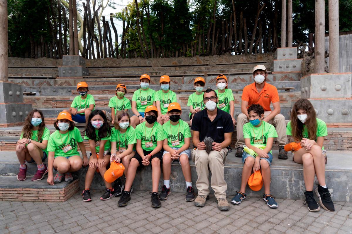 Grupo que descubrió el oricteropo de Expedición África verano 2021