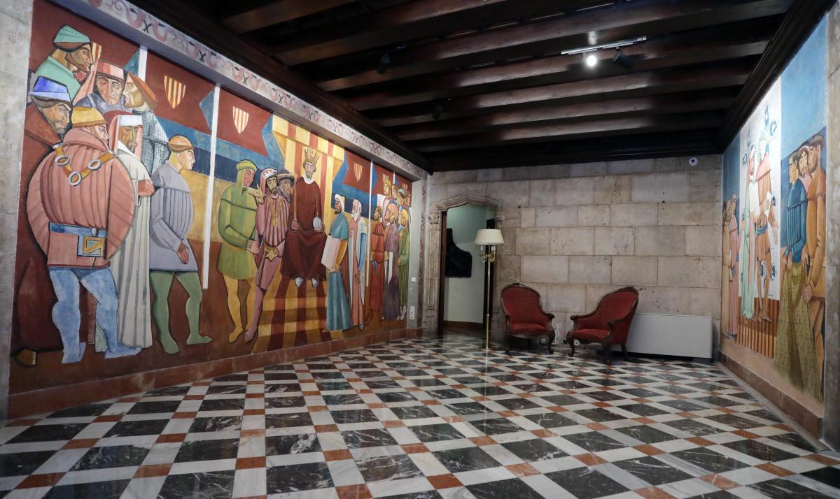 El Palau de la Generalitat ha restaurado las pinturas murales de estética cubista que pintó José Vento.