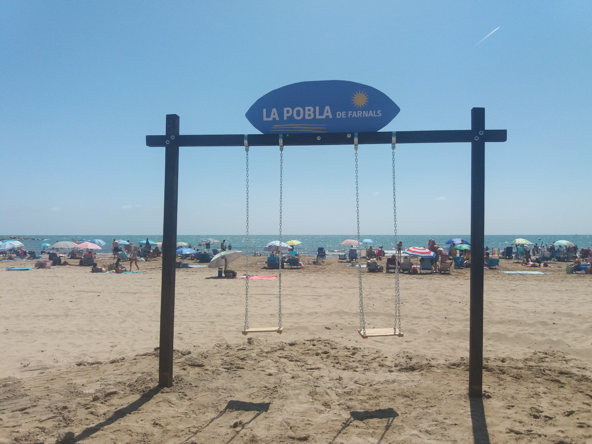 columpio playa Pobla de Farnals