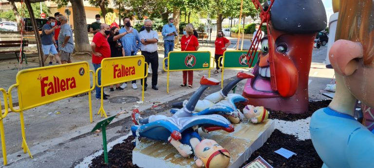 Las fallas Poeta Emili Baró, General Pando-Serrano Flores y Pintor Salvador Abril también sufren daños por las lluvias